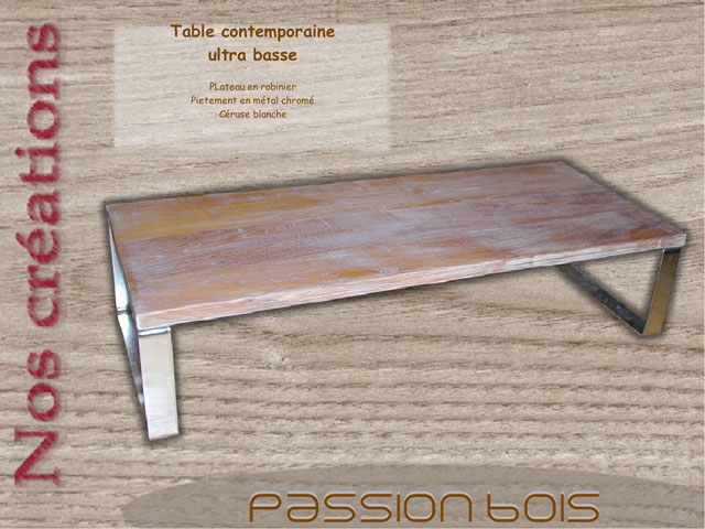 Table contemporaine ultra basse en robinier